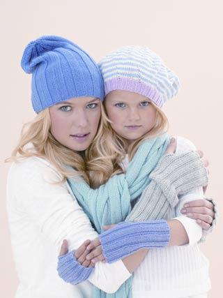 Жакет и шапка связаны спицами.  Узоры вязания.